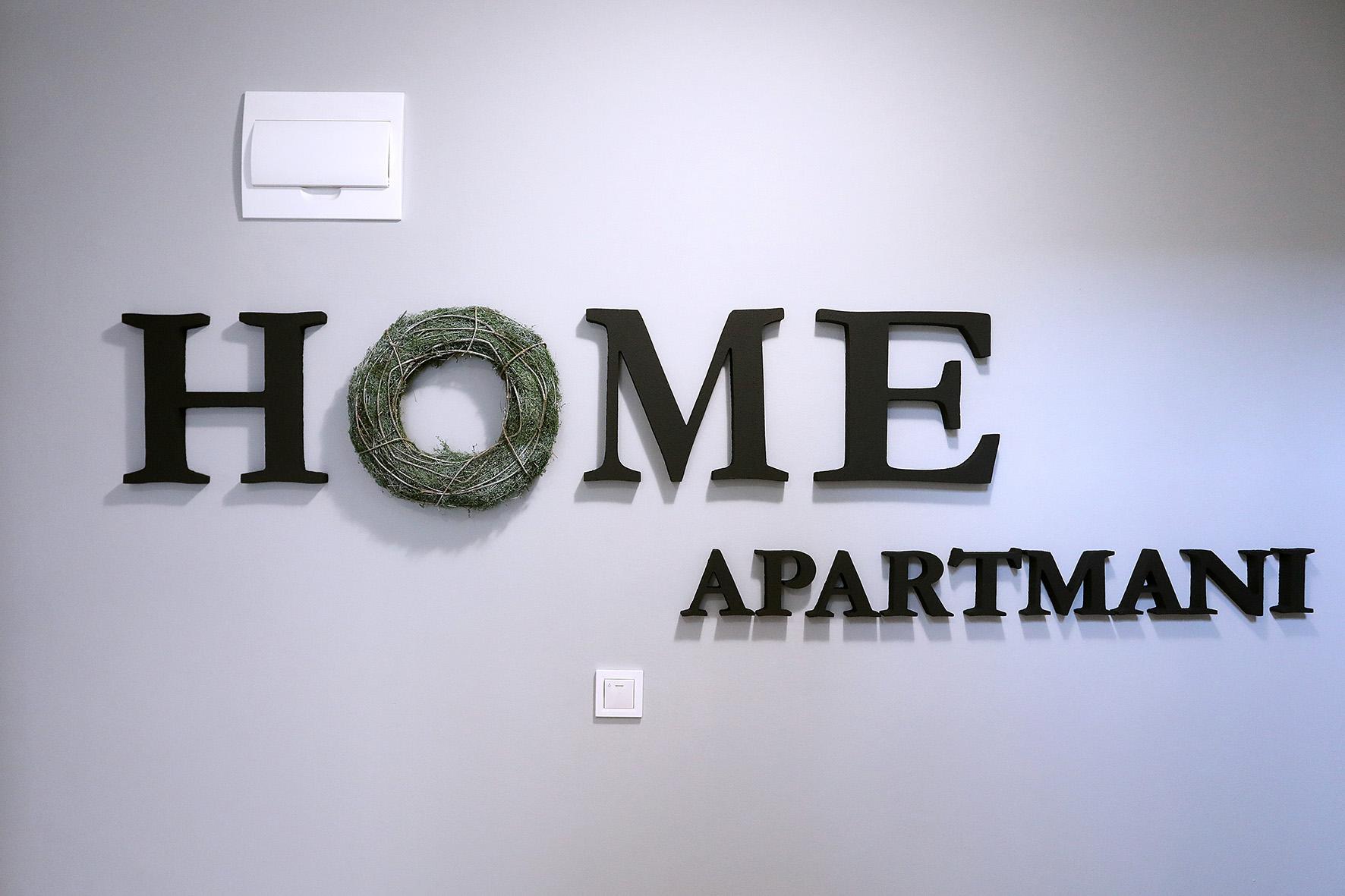 Apartmani i sobe HOME bavi se iznajmljivanjem apartmana i stanova.Osijek,strogi centar.Osigurajte si smještaj.Smještaj Osijek.Stanovi Osijek